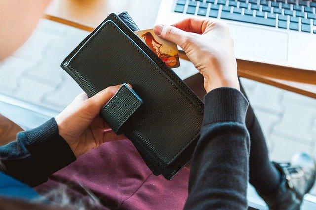 karta v peněžence