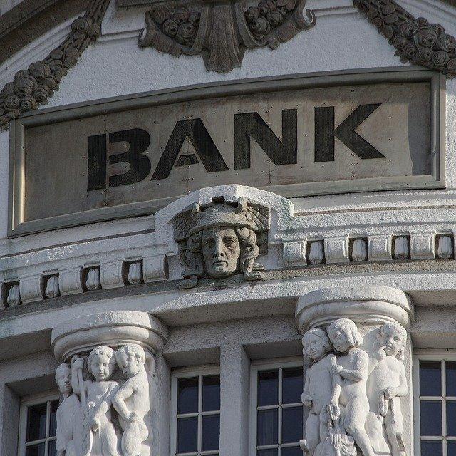 vstup do banky