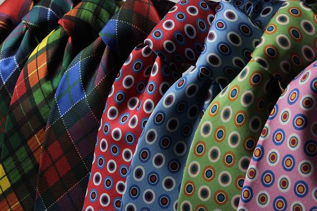 hrozné kravaty